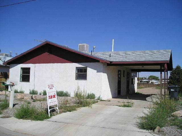 1010 W Chavez Avenue, Belen, NM 87002 (MLS #983767) :: Campbell & Campbell Real Estate Services