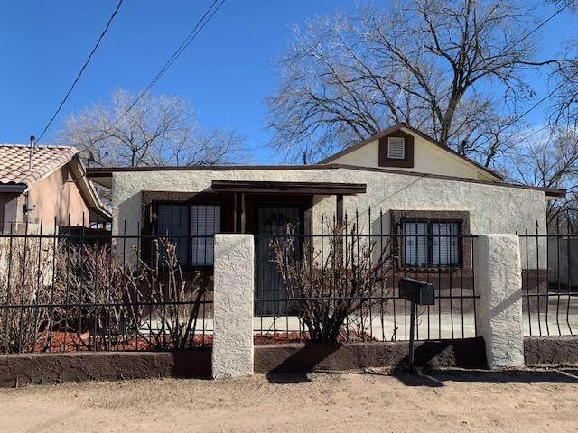 1936 Granada Court SW, Albuquerque, NM 87105 (MLS #983993) :: Campbell & Campbell Real Estate Services