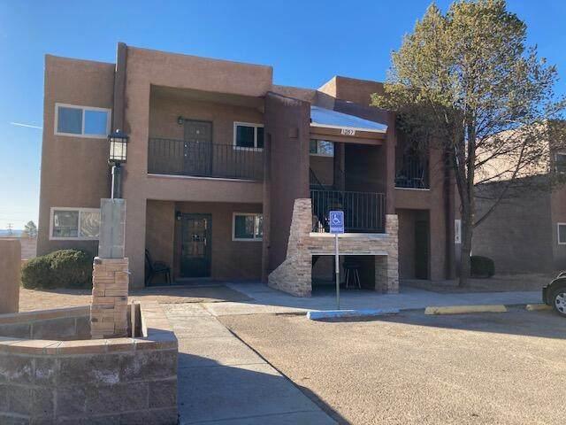 1069 Bonita Avenue, Grants, NM 87020 (MLS #985681) :: The Buchman Group