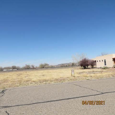 29 Elaine Drive, Los Lunas, NM 87031 (MLS #988936) :: Keller Williams Realty