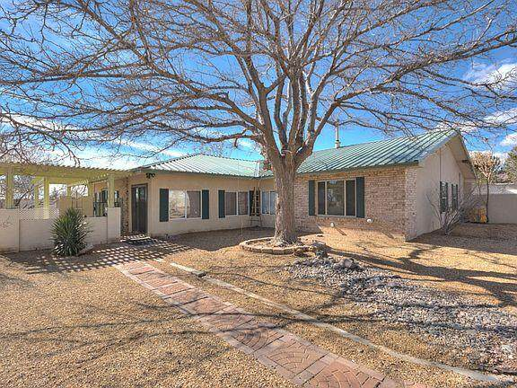 4600 Aquamarine Drive NE, Rio Rancho, NM 87124 (MLS #989257) :: The Buchman Group