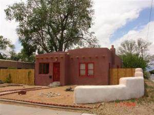 401 Cornell Drive SE, Albuquerque, NM 87106 (MLS #990696) :: The Buchman Group