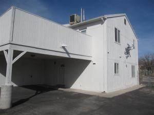 433-C Tennessee Street NE C, Albuquerque, NM 87108 (MLS #991032) :: The Buchman Group
