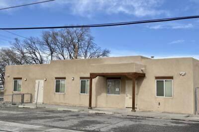 344 Luna Street, Los Lunas, NM 87031 (MLS #991723) :: The Buchman Group