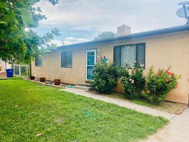 1001 Monte Vista Drive, Socorro, NM 87801 (MLS #997491) :: Berkshire Hathaway HomeServices Santa Fe Real Estate