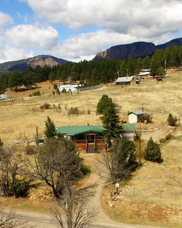 1206 State Rte 65, Las Vegas, NM 87701 (MLS #891022) :: Campbell & Campbell Real Estate Services