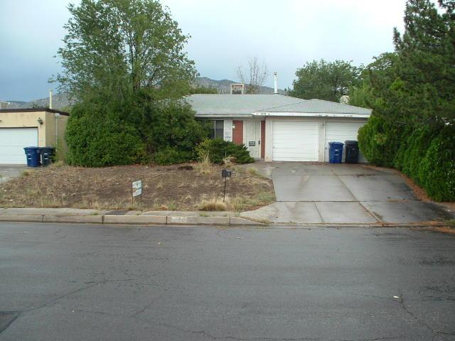 2436 Zena Lona Street NE, Albuquerque, NM 87112 (MLS #897721) :: Campbell & Campbell Real Estate Services