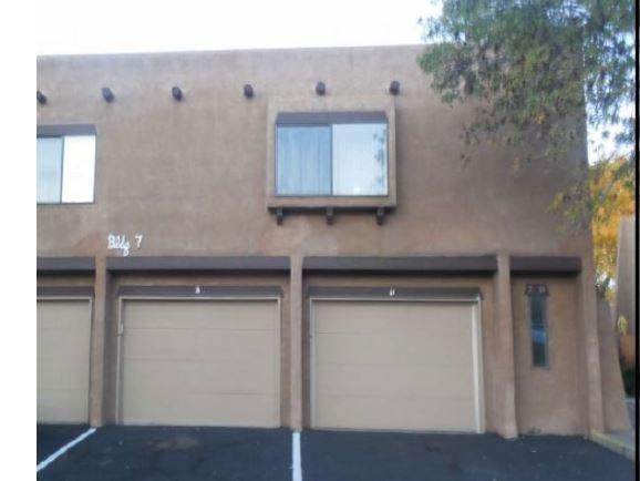 5801 Lowell Street NE Apt 7B, Albuquerque, NM 87111 (MLS #906697) :: Campbell & Campbell Real Estate Services