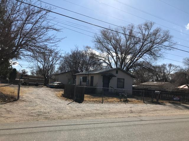 2438 Del Norte Drive SW, Albuquerque, NM 87105 (MLS #911688) :: Campbell & Campbell Real Estate Services