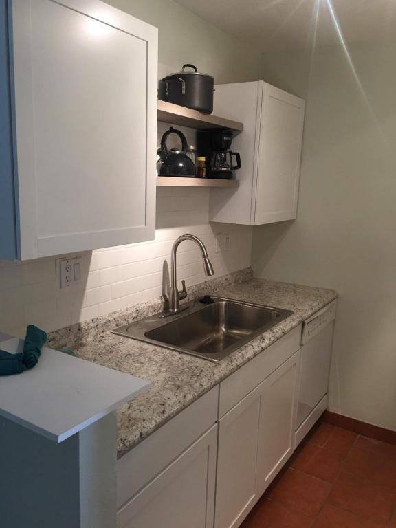 1601 Pennsylvania Street NE S4, Albuquerque, NM 87110 (MLS #925399) :: Campbell & Campbell Real Estate Services