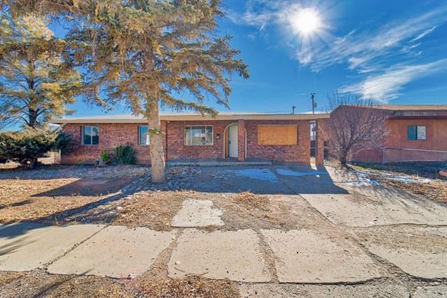 733 Truman Avenue, Grants, NM 87020 (MLS #934392) :: Campbell & Campbell Real Estate Services