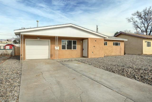 10605 Irene Avenue NE, Albuquerque, NM 87112 (MLS #934465) :: Campbell & Campbell Real Estate Services