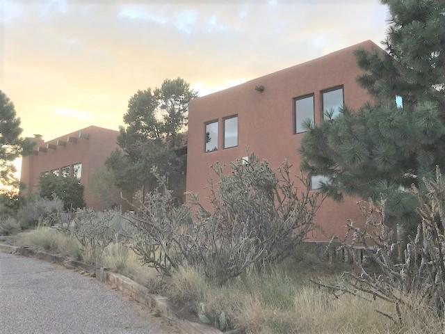 1219 Rockrose Road NE, Albuquerque, NM 87122 (MLS #949660) :: Campbell & Campbell Real Estate Services