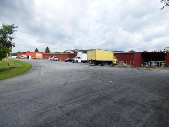 2190 W Ridge Rd, Wytheville, VA 24382 (MLS #66075) :: Highlands Realty, Inc.