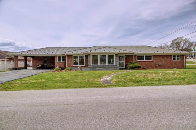 252 Church Ave, Chilhowie, VA 24319 (MLS #68773) :: Highlands Realty, Inc.