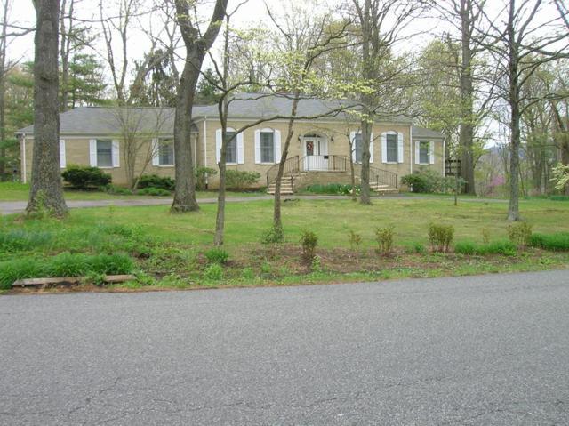 300 Sherwood Forest, Wytheville, VA 24382 (MLS #69058) :: Highlands Realty, Inc.