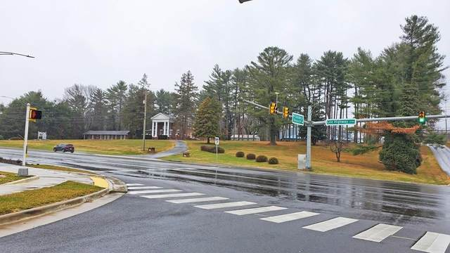 2700 & 2680 Lee Highway, Bristol, VA 24202 (MLS #76836) :: Highlands Realty, Inc.