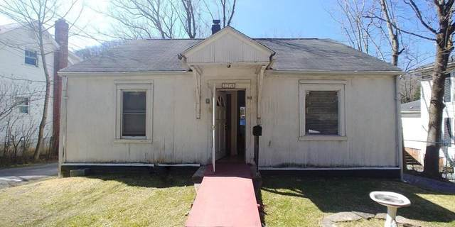 326 College Ave, Bluefield, VA 24605 (MLS #77498) :: Highlands Realty, Inc.