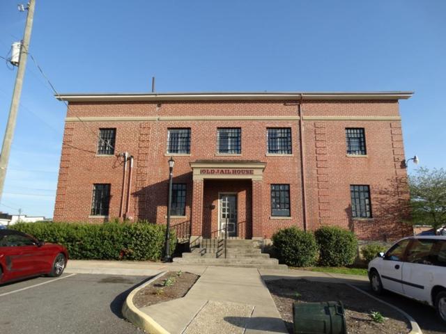117 Mill St, Hillsville, VA 24343 (MLS #64563) :: Highlands Realty, Inc.
