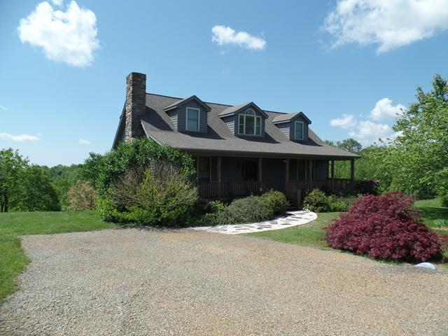 88 Continental Dr, Hillsville, VA 24343 (MLS #55946) :: Highlands Realty, Inc.