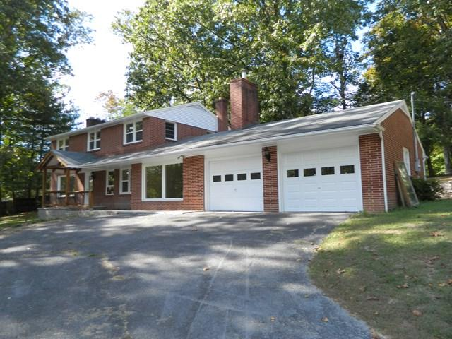921 Oak Ln., Marion, VA 24354 (MLS #57812) :: Highlands Realty, Inc.
