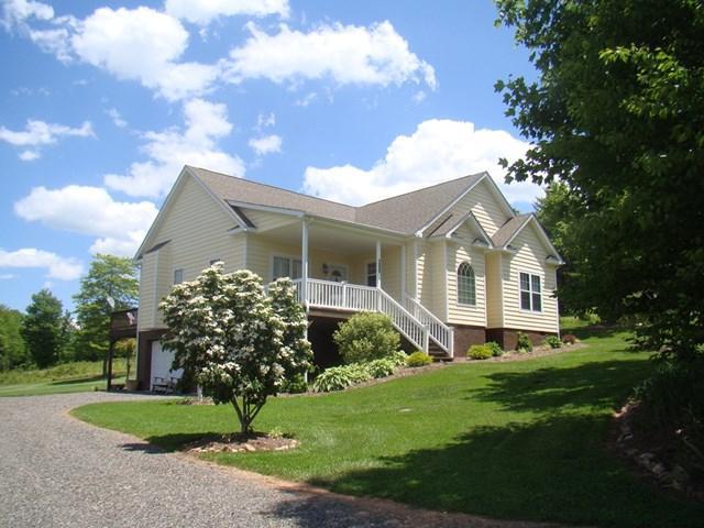1008 Double Bridges Drive, Fancy Gap, VA 24328 (MLS #58359) :: Highlands Realty, Inc.