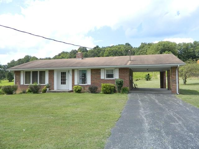 1229 West Chilhowie Street, Marion, VA 24354 (MLS #61428) :: Highlands Realty, Inc.