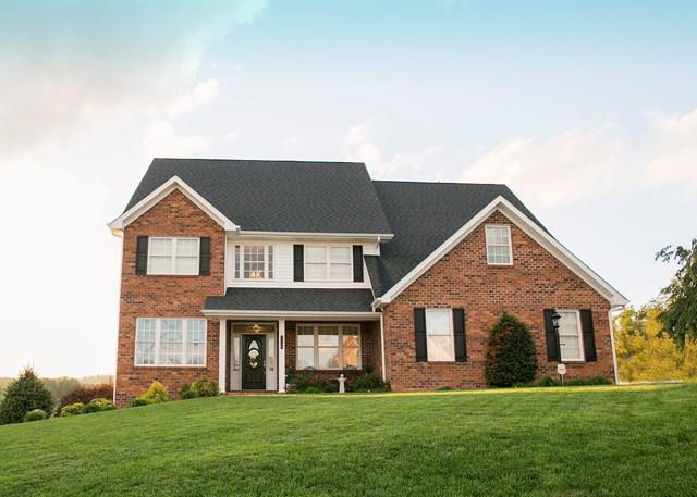 1730 W Monroe St, Wytheville, VA 24382 (MLS #62186) :: Highlands Realty, Inc.