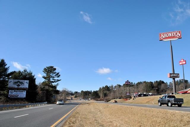 218 Ball Park Drive, Hillsville, VA 24343 (MLS #63122) :: Highlands Realty, Inc.