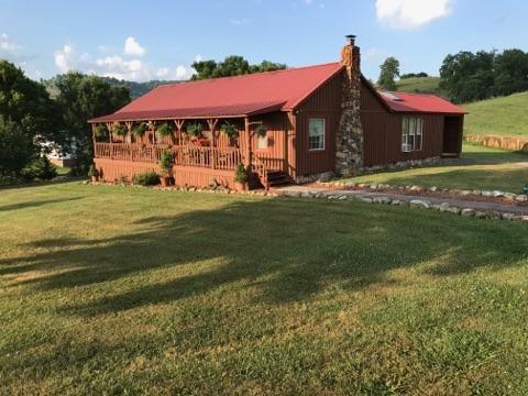 139 Lakehill Rd, Rosedale, VA 24280 (MLS #63381) :: Highlands Realty, Inc.