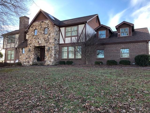301 Sandy Lane, Richlands, VA 24641 (MLS #63432) :: Highlands Realty, Inc.