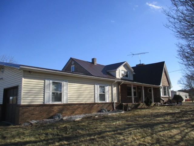 1906 Mitchells Crossroads, Hillsville, VA 24343 (MLS #63490) :: Highlands Realty, Inc.