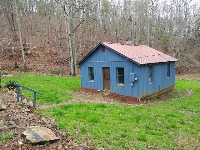 749 River Rd, Hillsville, VA 24343 (MLS #64407) :: Highlands Realty, Inc.