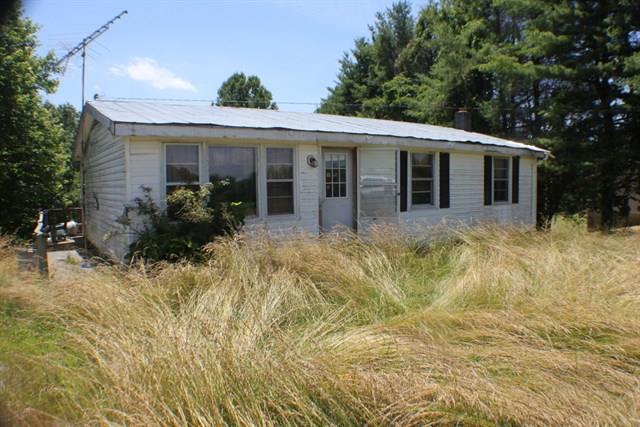 1810 Snow Hill Road, Galax, VA 24333 (MLS #64409) :: Highlands Realty, Inc.