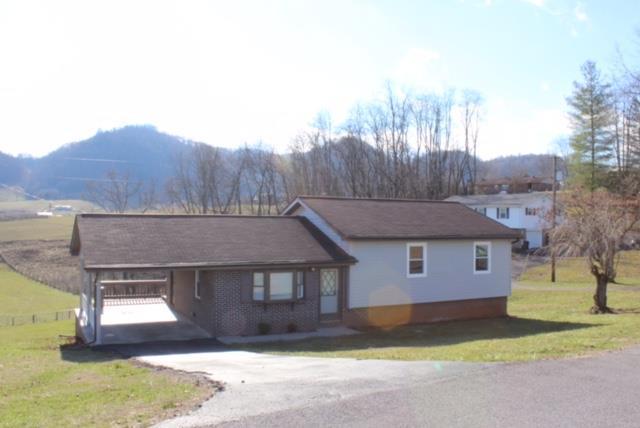 107 Henley St, Castlewood, VA 24224 (MLS #64648) :: Highlands Realty, Inc.