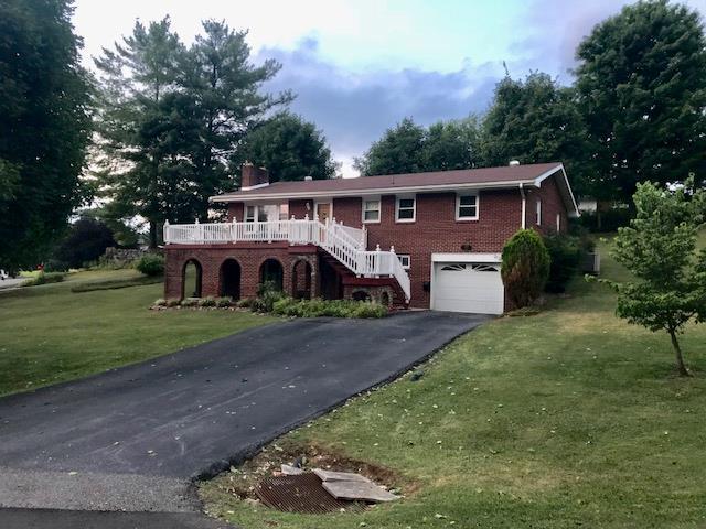59 Manor Drive, Lebanon, VA 24266 (MLS #65658) :: Highlands Realty, Inc.
