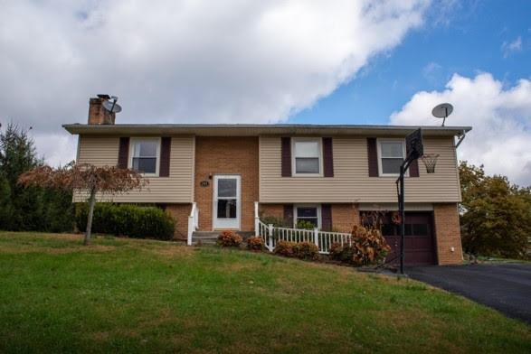 554 Cresswood Drive, Richlands, VA 24641 (MLS #67317) :: Highlands Realty, Inc.