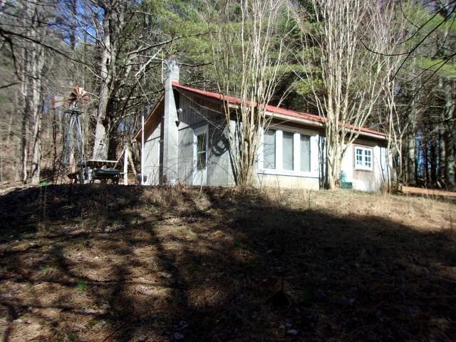 3665 Stones Chapel, Elk Creek, VA 24326 (MLS #70149) :: Highlands Realty, Inc.