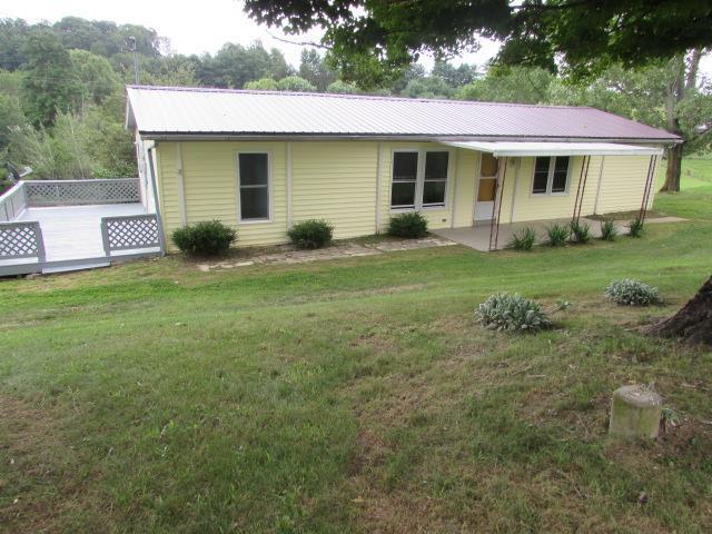 3005 4th St, Wytheville, VA 24382 (MLS #70486) :: Highlands Realty, Inc.