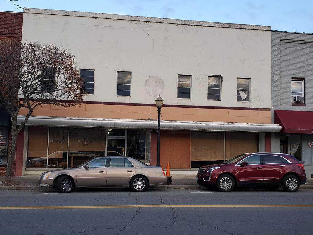 213/215 Main Street - Photo 1