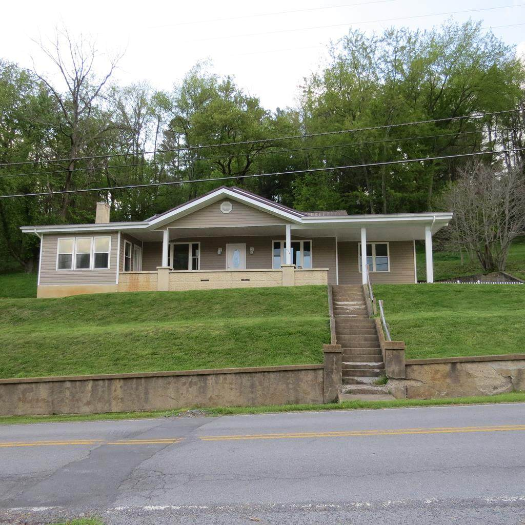 219 Jeffersonville St - Photo 1