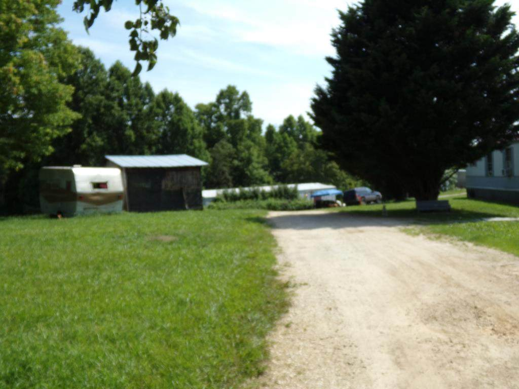 583 Pell Lane - Photo 1