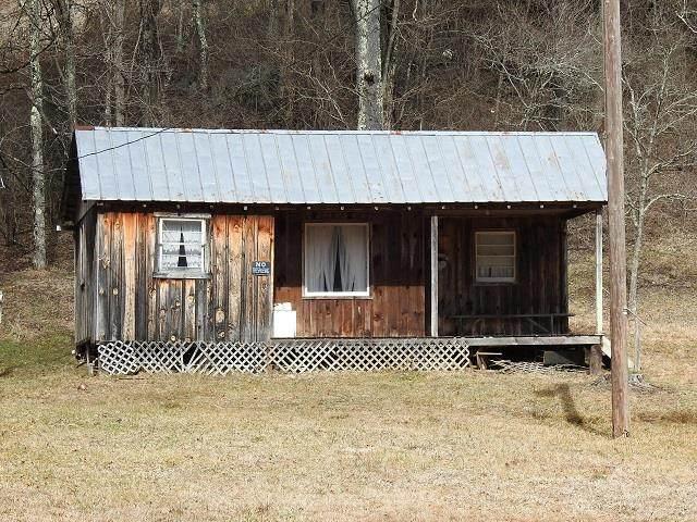 914 Beaver Creek Road, Galax, VA 24333 (MLS #77069) :: Highlands Realty, Inc.