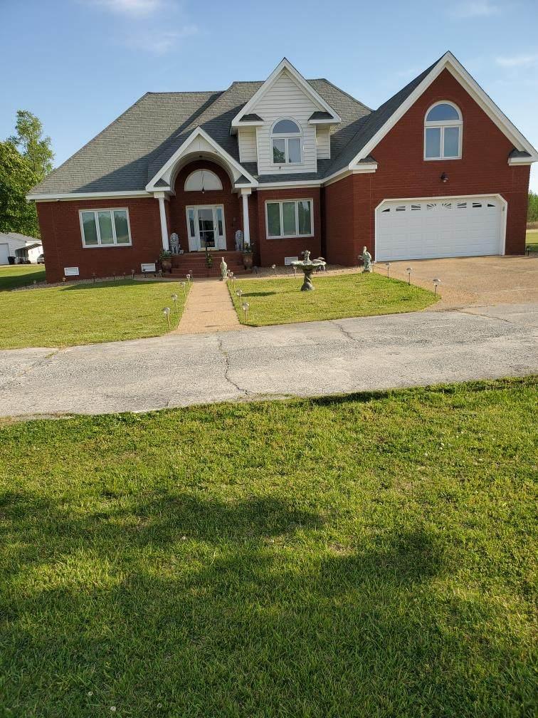 3937 Deer Path Road - Photo 1