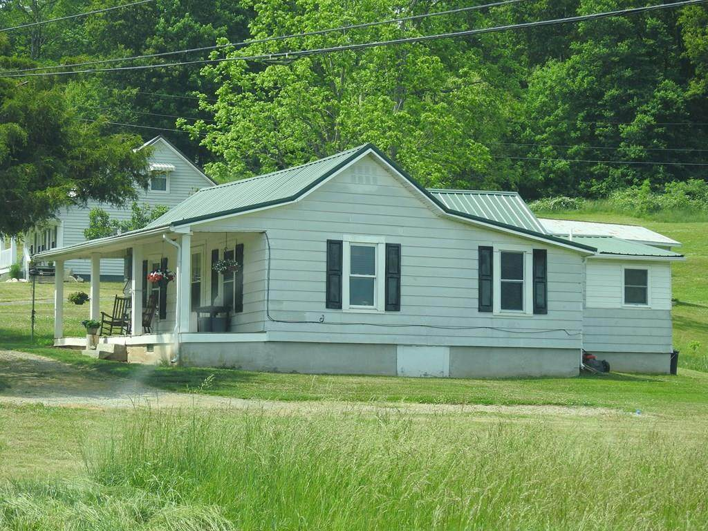 438 Airport Rd - Photo 1