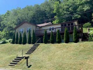 7105 Abbs Valley Rd, Bluefield, VA 24605 (MLS #78807) :: Highlands Realty, Inc.