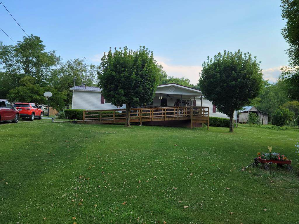 424 Flatridge Rd - Photo 1