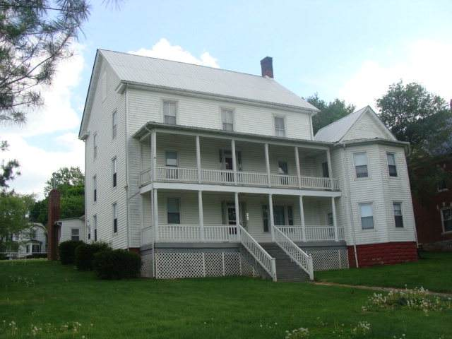 301 Baumgardner Ave, Rural Retreat, VA 24368 (MLS #79243) :: Highlands Realty, Inc.