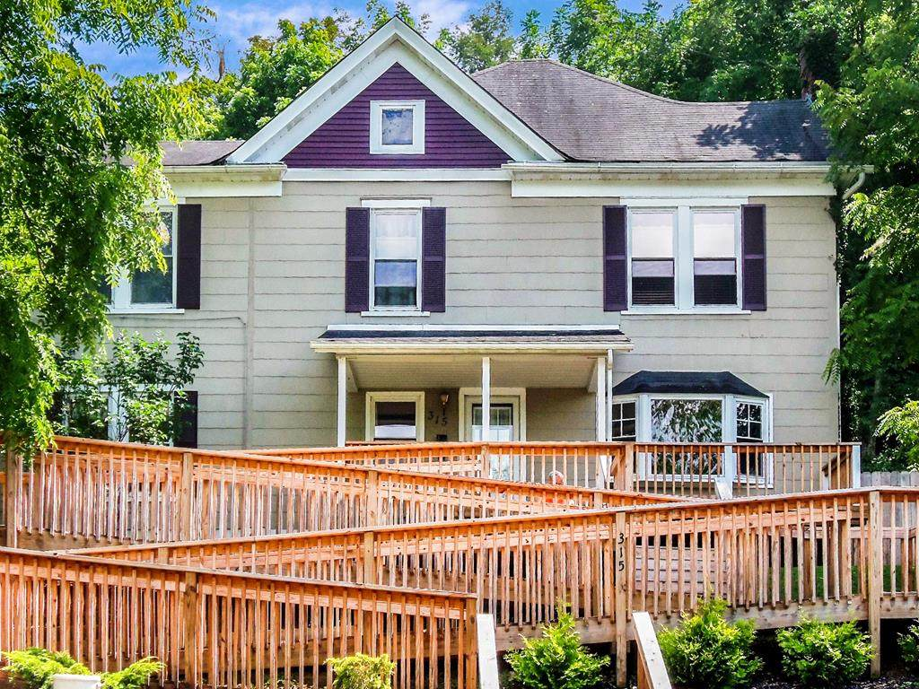 315 Tazewell Ave - Photo 1