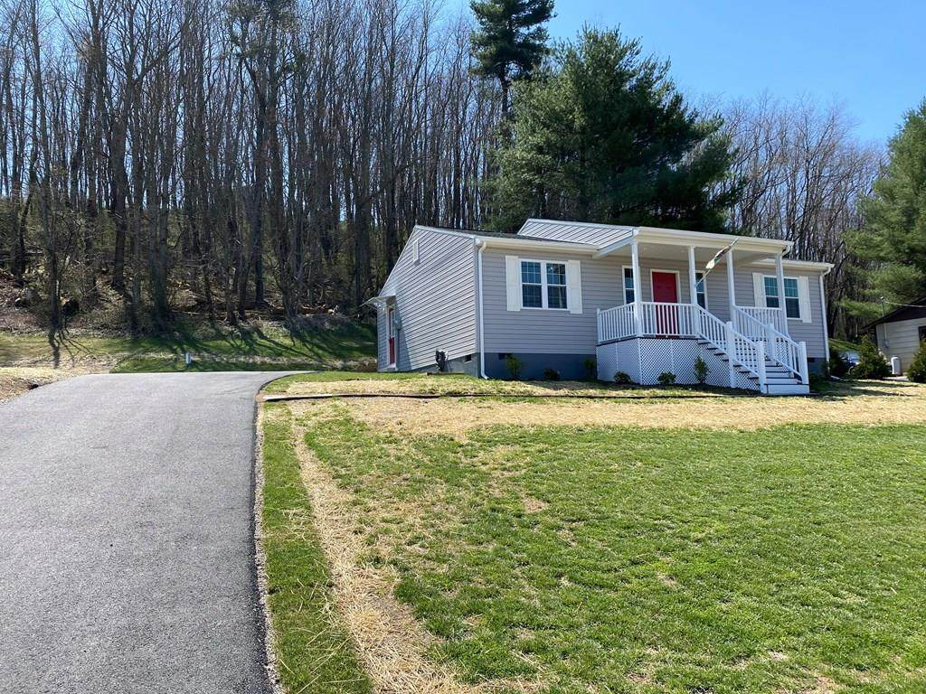 418 Whispering Pines Rd - Photo 1